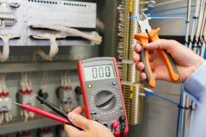 בדיקת הארקה בלוח חשמל ביתי