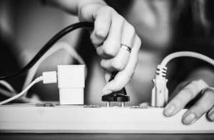 צריך פיצול נקודת חשמל משתמש בשקעי מפצל